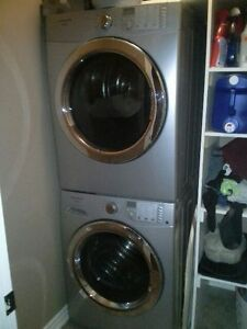 Frigidaire washer & dryer