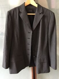 LINEA House of Fraser's ladies smart charcoal two-piece suit. Used. VG. Size 14 / 16.