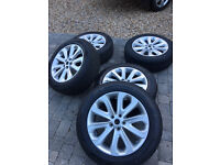 Brand new Range Rover Vogue se 20 inch alloy wheels and tyres