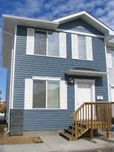 3 bedroom townhouse for rent - Sask side - March 1