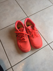 Nike running shoes size 8