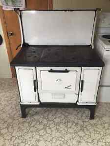 Renfrew Chateau Wood Fire Cooking Stove