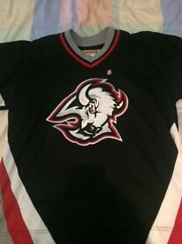Old school Buffalo Sabres Ice Hockey jersey (size XL)