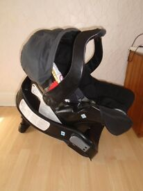 Graco car seat with base in VGC-can post
