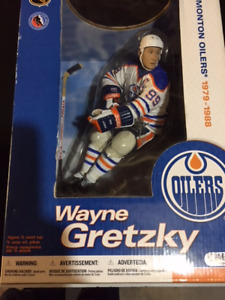 Reduced : Sports Collectibles : Wayne Gretzky : Three Figures