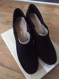 Clarks Black Suede shoe boots