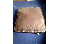 Dog's bed, with removable cover.