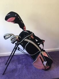Right handed Pink junior Golf clubs and bag