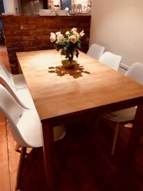 Wooden Extendable Dining Table and JERRY Chairs