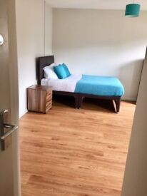 Double room with En Suite - Swindon - LONG TERM LET **NO ADMIN FEES**