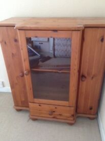 Display/storage Cabinet - glass front, great condition
