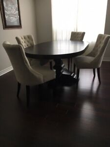 Pottery Barn Banks Extending Pedestal Dining Table with 4 Chairs