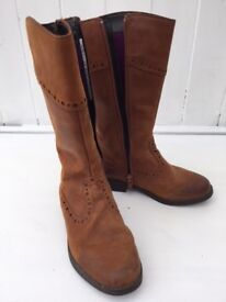 Clarks Girls Tan Leather Boots Size 10 Excellent Condition