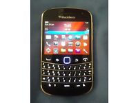 BlackBerry Bold 9900 - 8 GB - Black
