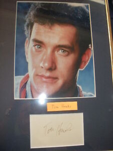 TOM HANKS photo with signature