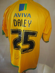 Norwich-Daley-Signed-Match-Worn-Home-2008-2010-Football-Shirt-with-COA-9730