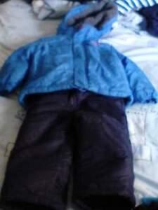 Manteau d'hiver carter's pour garcon 3ans West Island Greater Montréal image 3