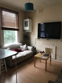 Good size fully furnished double bedroom in north london for short term let