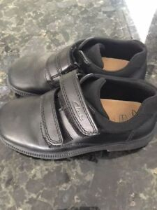 NICE SHOES CLARK  SIZE 121/2