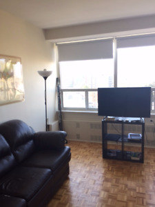 Bachelor available for $895 on November 1, 2017. Location!!