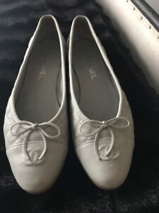 Chanel grey quilted leather flats size 41 LIMITED EDITION COLOUR