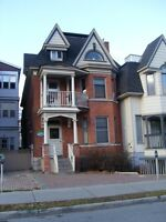 Centretown 3 bedroom aparment located at Somerset/Kent