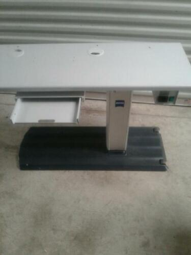 ZEISS IT1060 SLT equipment table