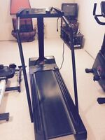 TREADMILL IN EXCELLENT CONDITION!!