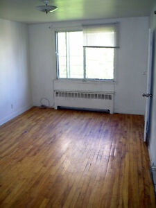 1-1/2 in downtown next to Metro Atwater. Everything included.