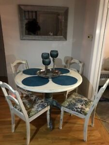 Vintage solid wood table set chalk painted