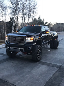 2016 GMC Denali DUALLY Pickup Truck