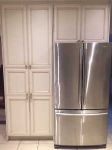 Beautiful Kitchen Cabinets for sale!