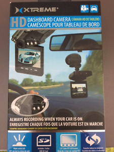 NEW: Xtreme Cables Car Dash Camera With 4GB SD Card - Black