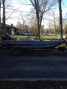 2003 Princecraft fishing boat