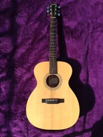 Larrivee OM-02 Acoustic Guitar: Mint Condition/All Solid Woods