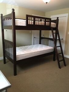 LIKE NEW!! SOLID WOOD BUNK BEDS BEDROOM SET