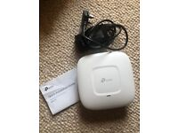 TP Link EAP110 WiFi Access Point