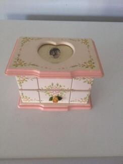 Jewellery Box Maryland 2287 Newcastle Area Preview