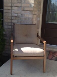 Outdoor Patio Chair and Two Decorative Pillows London Ontario image 2