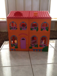 Dora The Explorer Doll Houses, Car and Accessories
