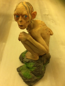 Lord of the Rings Two Towers Gollum Statue