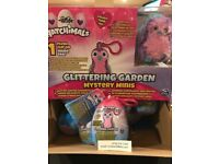 *NEW Hatchimals COMBO-2 pack Glittering Gardens Eggcase /& Adorable Mystery Plush