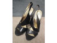 beautiful leather nine west ladies shoes in size 8 choice of 2 colours - blue or black