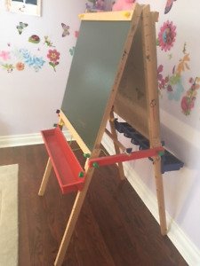 Used Melissa and Doug Wooden Easel