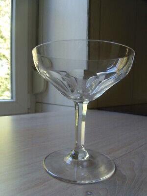 Série 6 coupes à champagne en cristal.Modèle MONTANA cotes plates Val St Lambert