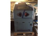 Shot/Sand Blast Cabinet/dust extractor