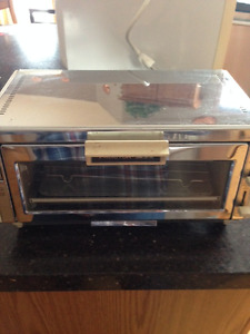 Toaster Oven - Proctor Silex & Sanyo Microwave