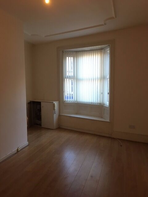 Newly decorated unfurnished two bedroom duplex apartment situated on Breck Road,