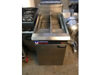 BLUE SEAL DOUBLE PAN DOUBLE BASKET COMMERCIAL FRYER IN GREAT CLEAN WORKING COND