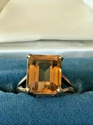 VINTAGE  ESTATE 10KT SOLID YELLOW GOLD 3CTW. ORANGE CITRINE  RING  SIZE 7